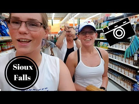 OUR FIRST VLOG!!!!: Sioux Falls, South Dakota