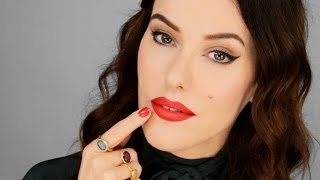 Supersize your pout instantly (without injections!)
