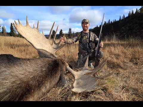 GRIZZLY BEAR AND YUKON MOOSE HUNTING! | L2H S08E07