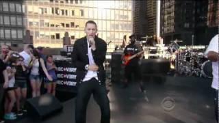 Gambar cover Eminem - Not Afraid Live (HD)