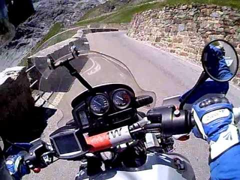 Verso Passo Stelvio in moto BMW r 1150 gs Adventure