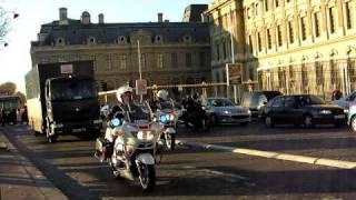 Paris Police Motorcade with Machine Guns and Motorcycles Escort - Banque de France