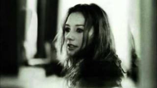 Watch Tori Amos Iieee video
