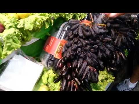 Tropical fruits in Mercadao of Sao Paulo Brazil - Video 1