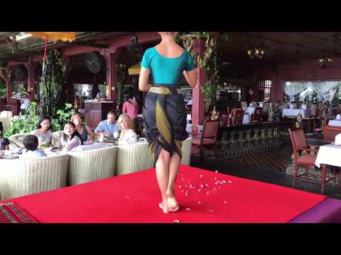 Restaurant Titanic Au Cambodge à Phnom Penh, Danse Khmer Apsara.