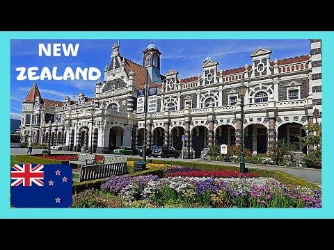 DUNEDIN, the spectacular Railway Station (NEW ZEALAND, South Island)