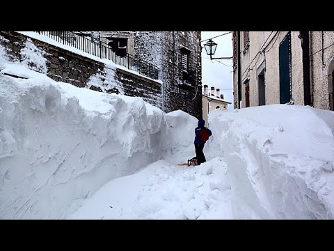 World Record Snow Hits Italy 8.4 feet in 24h Mar 11 2015