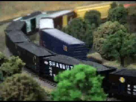 N-scale CSX freight passes Conrail coal train - YouTube