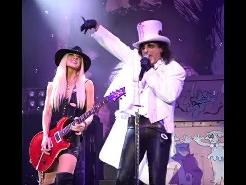 """Alice Cooper announces a fall 2019 tour .. it is titled """"An Evening With""""...!"""