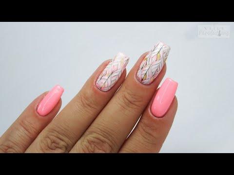 Pink pattern nails art / Sunflower Professional