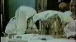 Video Coptic bishop reposes while praying Liturgy download MP3, 3GP, MP4, WEBM, AVI, FLV Agustus 2018