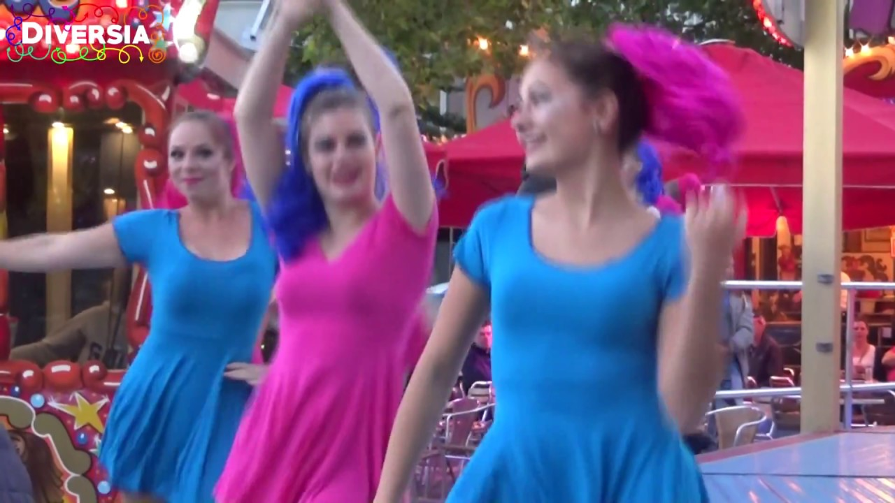 Sexy Girls Dancing Kermis Uden 2017 Female Dancers Showing Hot Dance Moves At Dutch Carnival
