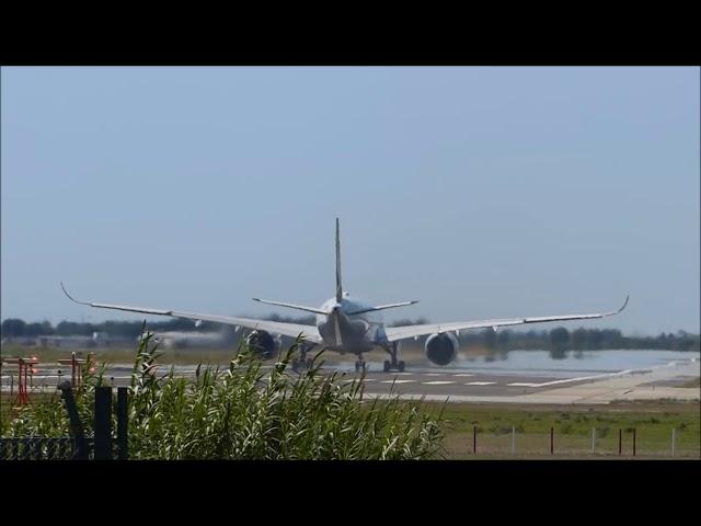 Espectacular miratge a la pista principal de l'aeroport del Prat - Juliol 2017