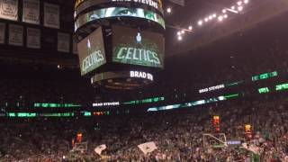 Boston Celtics crowd embraces Isaiah Thomas after sister