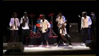 Flamme  Kapaya Live à Kinshasa avec Bill Clinton et Celeo scram DISPONIBLE