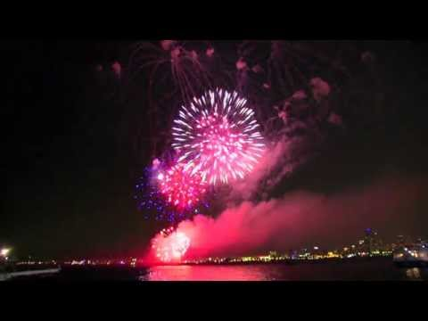 CHICAGO SCAPES 2014 * 4th of JULY NAVY PIER FIREWORKS * NAVY PIER CHICAGO * 1080HD