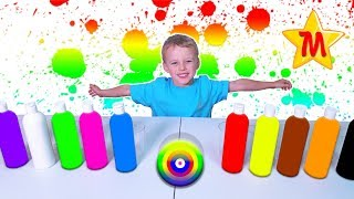 Max has a lot of fun playing with paints and cups video for kids