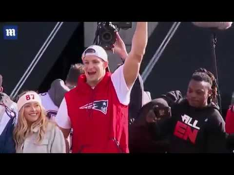 Tom Brady And Gronk Pump Up The Crowd During Super Bowl Parade
