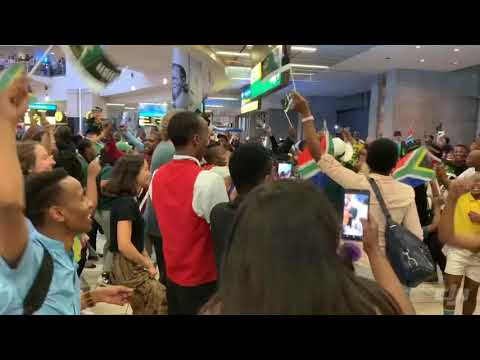 Shosholoza Erupts In Celebration As World Cup Winners Arrive Home In South Africa With Siya Kolisi