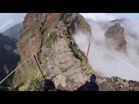 Madeira, Pico do Arieiro, Hiking narrow path!!