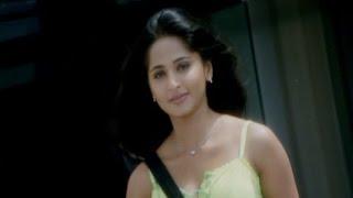 Anushka Shetty throws attitude towards Nagarjuna | Don