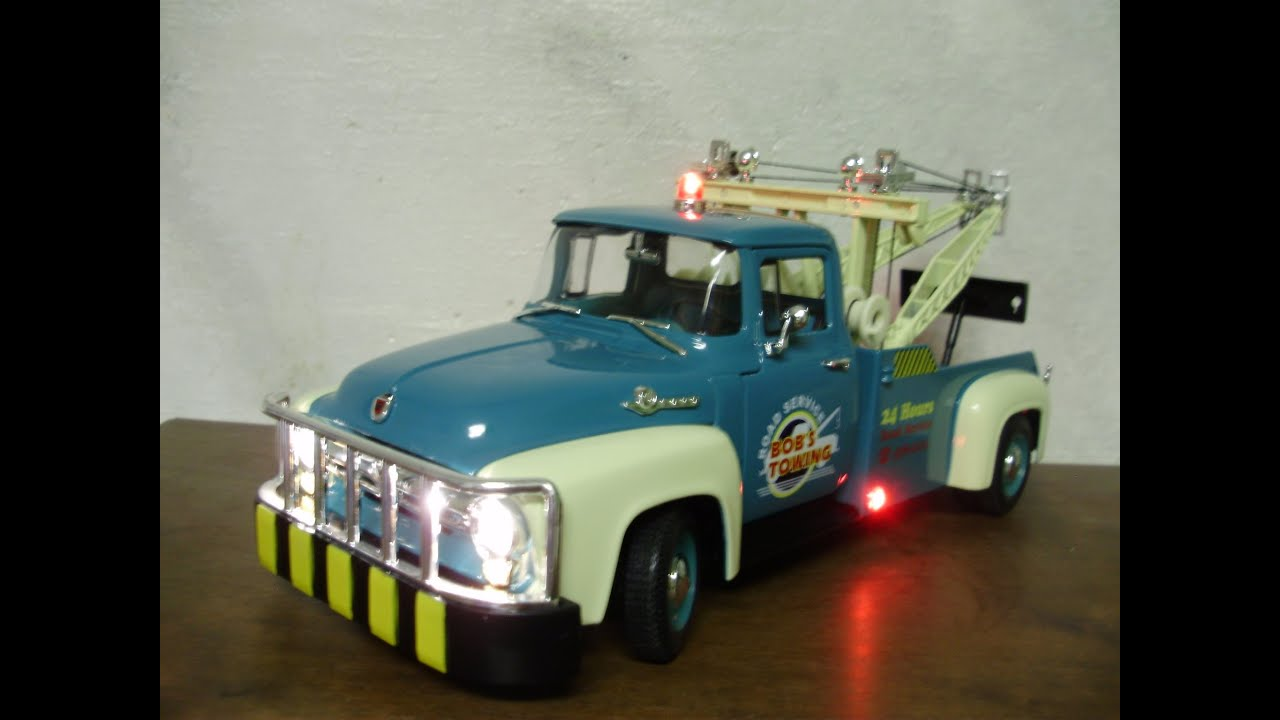 18 Toy Trucks : Custom scale ford f diecast tow truck with