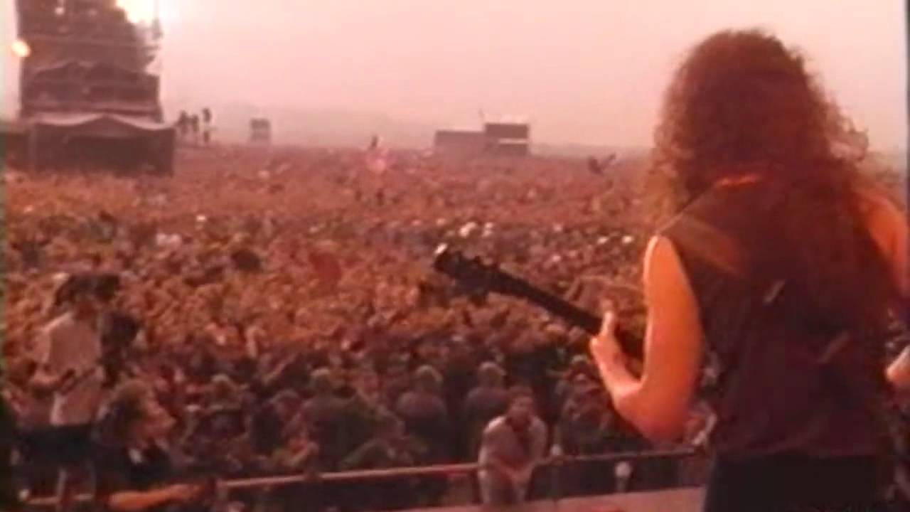 "Watch Metallica Play ""Enter Sandman"" Before a Crowd of 1.6 Million in Moscow, During the Final Days of the Soviet Union (1991)"