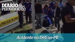 Homem causa acidente durante  prova prática no Detran-PE