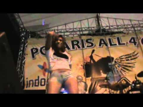 Seksi Dancer di Alon-alon Magelang Kota Sejuta Bunga...