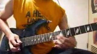 原曲のメロを耳コピ、ちょこっとアレンジ加えて、ギターソロは勝手に乱...