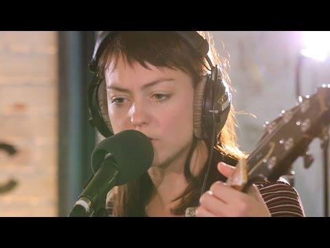 Angel Olsen - Give It Up (6 Music Live Room session)
