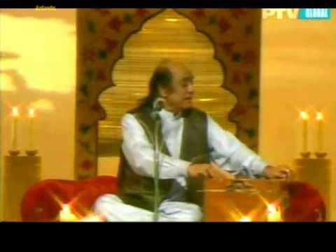 Gullon Main Rang Bhare Bade e Nobahar { Ustad Mehdi Hasan Khan Live } *Ptv Classics*