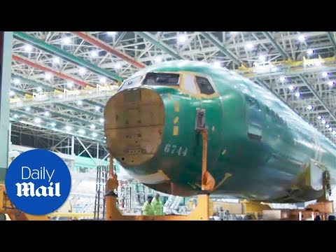 See Boeing's engineers put together their newest aircraft - Daily Mail