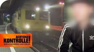 Dumme Mutprobe: Jugendliche rennen über Gleise - Polizei ermittelt! | Achtung Kontrolle | kabel eins