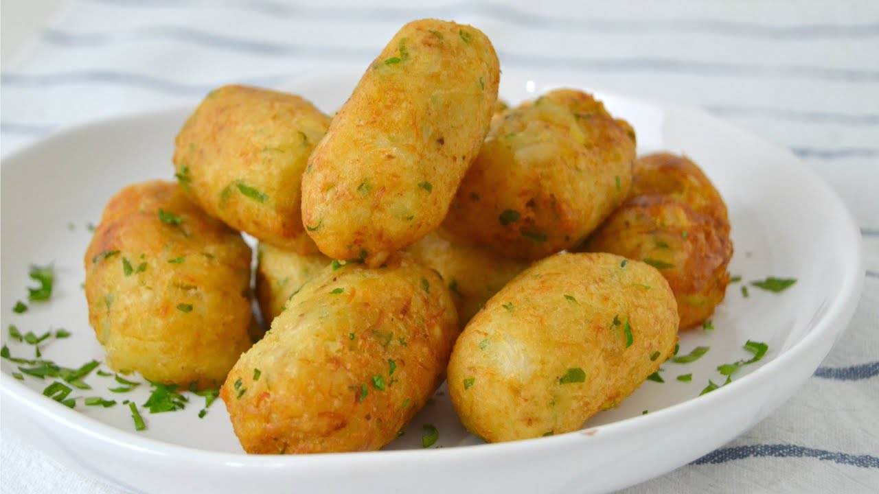 Alb ndigas o bu uelos de bacalao con patata receta - Albondigas de patata ...