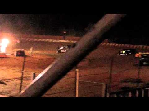 dustin duncan at lake cumberland speedway feature part 3 flip 10-9-11.MOV