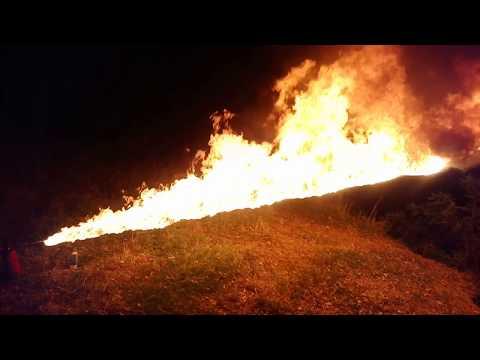 Портативный самодельный  огнемёт!