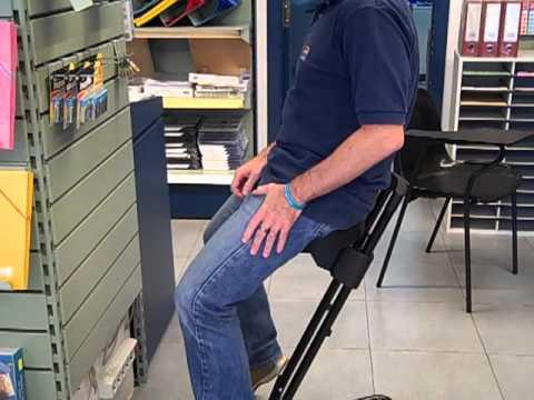 Silla para trabajar de pie youtube for Sillas comodas para trabajar