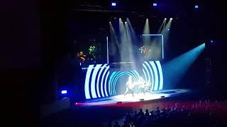 Смотреть видео Как я ходил на коцерт Blue Man Group в Москве онлайн