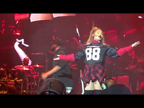 Janet Jackson PANORAMA: No Sleeep - Got Till It's Gone - TTWLG - So Much Betta - Throb Live