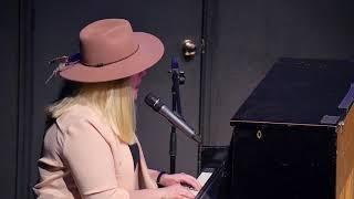Lady Gaga - A Million Raisins