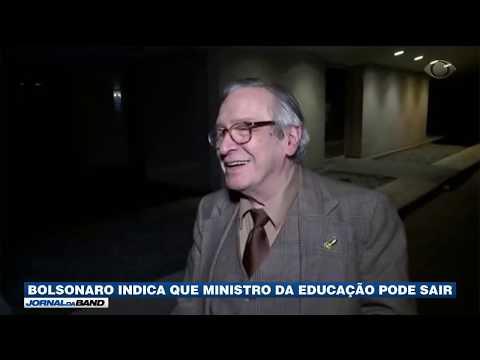 Bolsonaro indica que ministro da Educação pode sair
