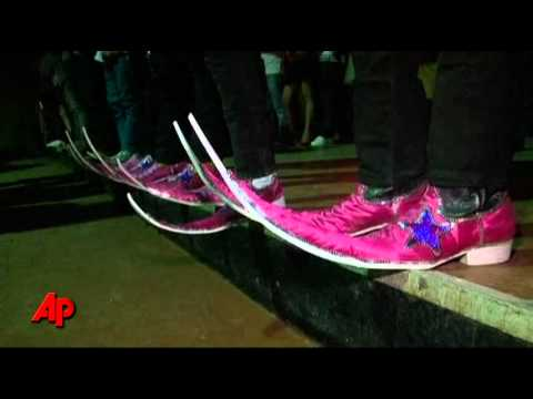 Raw Video: Craze for Pointy Boots in Mexico