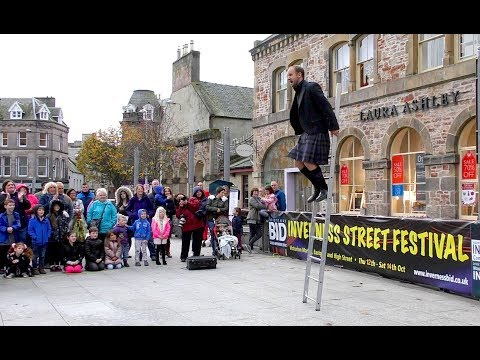 Pete Anderson Unstable Acts Street Theatre performance in Inverness City Centre, Scotland, Oct 2017