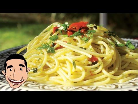 Spaghetti Aglio e Olio, Garlic Spaghetti Recipe | HuffPost Life
