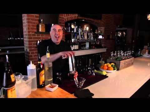 How To Make A Kahlua & Cream Drink : Party Drinks
