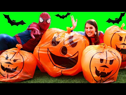 Giant Surprise Toys Pumpkins & Halloween Toy Videos Trick or Treating Buckets + Baby Alive Costumes