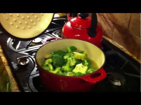 Vegan Creamy Broccoli Soup For All The Participants In Our 21 Day Rapid Fat Loss Challenge!