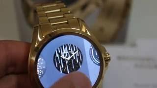 Michael Kors Access  видеообзор электронных часов