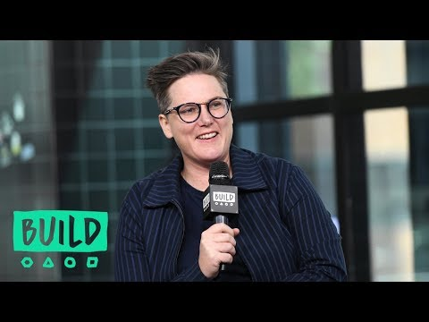Hannah Gadsby Talks About Her Experience as a Gay Woman in Tasmania